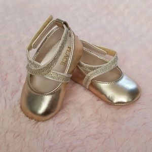Baby Girl Shoes. Size 3-6 Months.